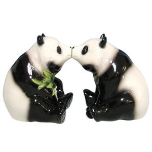 Westland Giftware Mwah! Pandas Kissing Salt and Pepper Shakers