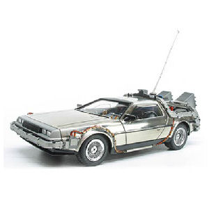 Back to the Future DeLorean Time Machine 1/25th Scale Snap-Fit Model Kit