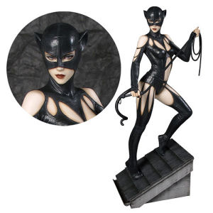Fantasy Figure Gallery DC Comics Collection Catwoman Resin Statue