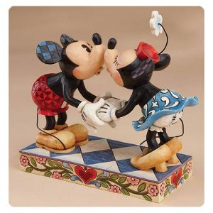 Disney Traditions Mickey and Minnie Mouse Smooch For My Sweetie Statue