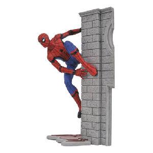 Marvel Gallery Spider-Man Homecoming Spider-Man Statue
