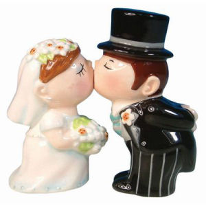 Westland Giftware Mwah! Bride and Groom Kiss Kissing Salt and Pepper Shakers