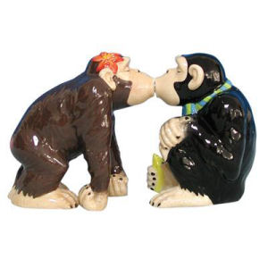 Westland Giftware Mwah! Chimp Kiss Kissing Salt and Pepper Shakers