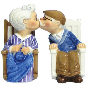 Westland Giftware Mwah! Rocking Chair Couple Salt and Pepper Shakers