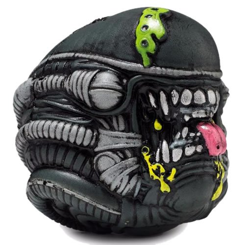 Madballs Horrorball Alien Xenomorph Foam Ball. Measures 4 inches in diameter.