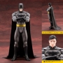 DC Comics 1/7th Scale Batman Ikemen Statue. This is a 1st Edition with Bonus Head piece. The fifth entry in the series is Bruce Wayne as Batman. Naoya Mutou detailed sculpting does Rickens art full justice through the bold and eye-catching details of Bat