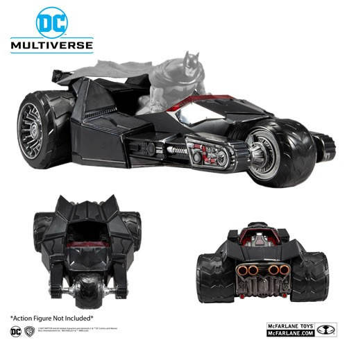 DC Multiverse Batman 7 Inch Scale Bat Raptor Vehicle. Designed to fit up to 7 Inch scale DC Multiverse Figures. Included collectable art card with Bat-raptor artwork on the front, and character biography on the back.