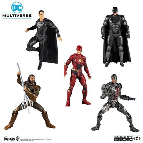Justice League (2021 Movie) 7 Inch Scale Action Figure Case. Case includes 2 Batman-  1 Superman - 1 Cyborg - 1 Aquaman -  1 Flash.