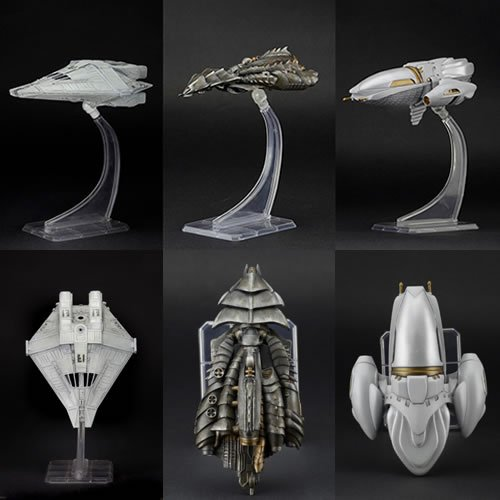 Cinemachines Die Cast Collectibles Series 2 Set of 3. Set includes Scout Ship from Predator - Tribe Ship from Predator 2 - Narcissus shuttle from Alien. Each 5 inch Die-Cast ship comes with a display stand.
