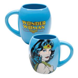 Wonder Woman Close-Up 18 Ounce Ceramic Oval Mug